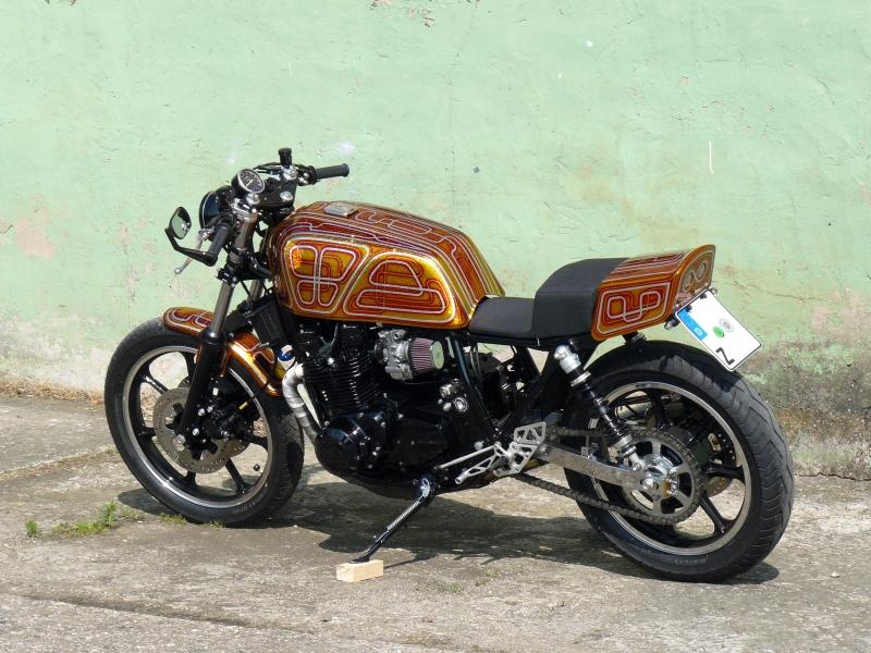 oleck custom motorbike archive garry glitter. Black Bedroom Furniture Sets. Home Design Ideas