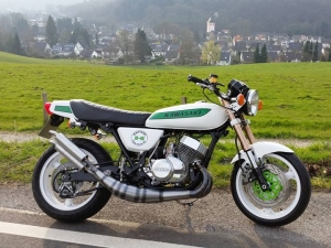 H1 Custom with 750 cc…